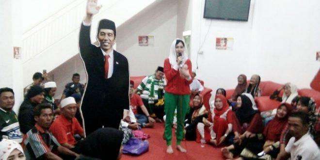 Bersama Bonek, Caleg PDIP Citra Oktavia Mochtar Gelar Doa Bersama
